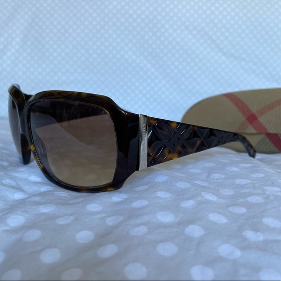 Burberry Sunglasses Tortoise Shell with Case
